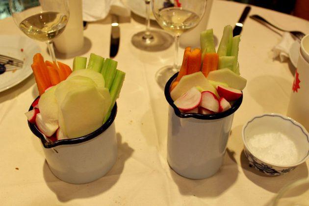 stůl - odpočinková zelenina